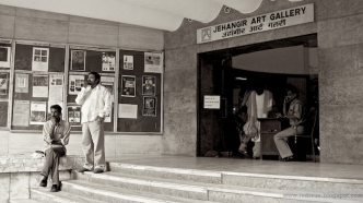 People outside Jehangir Art Gallery in 2006