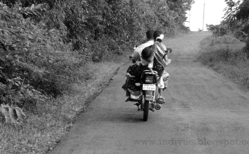 Indian Pic of the Day:Familybike
