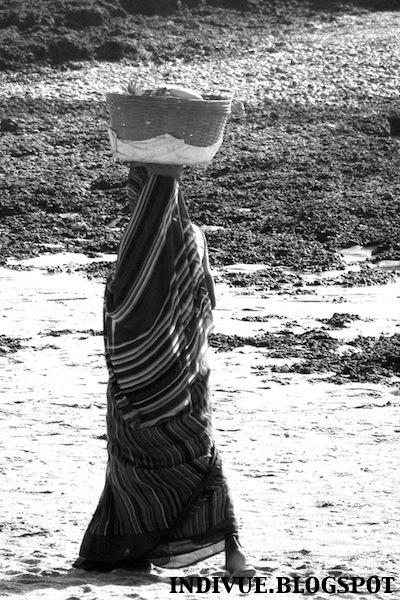 Intialaista naisten vaatetusta ja katumuotia / Indian women's clothing and streetfashion