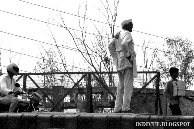 Intialaisen miehen vaatetusta