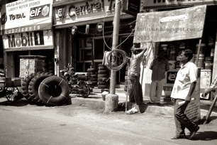 Local people by the car wheel shop in Chennai