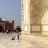 Kids playing in Taj Mahal