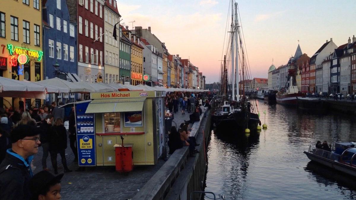 Hos Michael selling food in Copenhagen