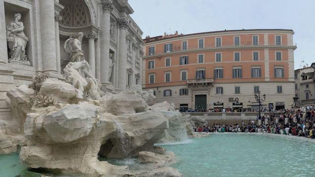 Fontana Di Trevi -fountain