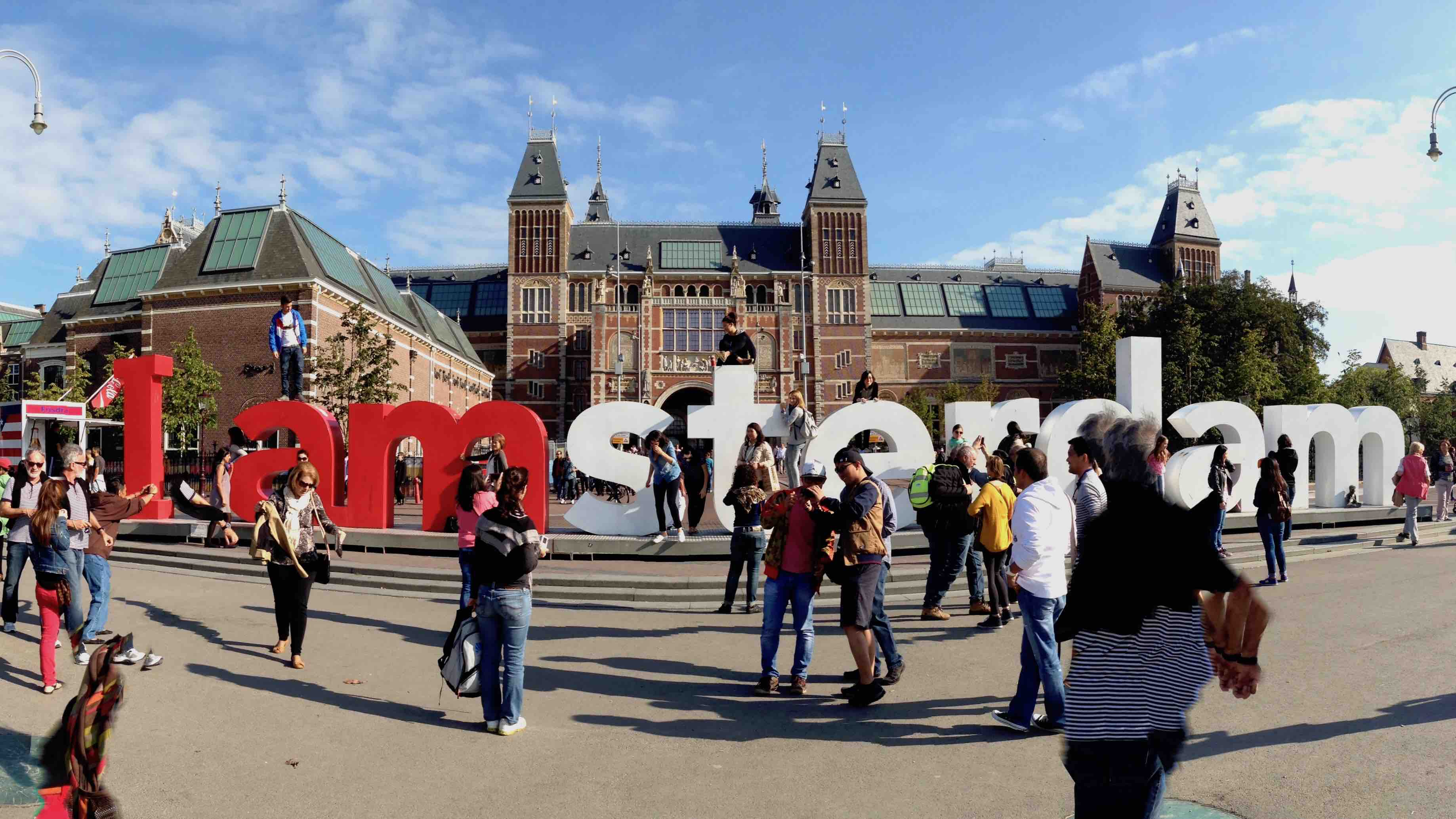 I Amsterdam and tourists