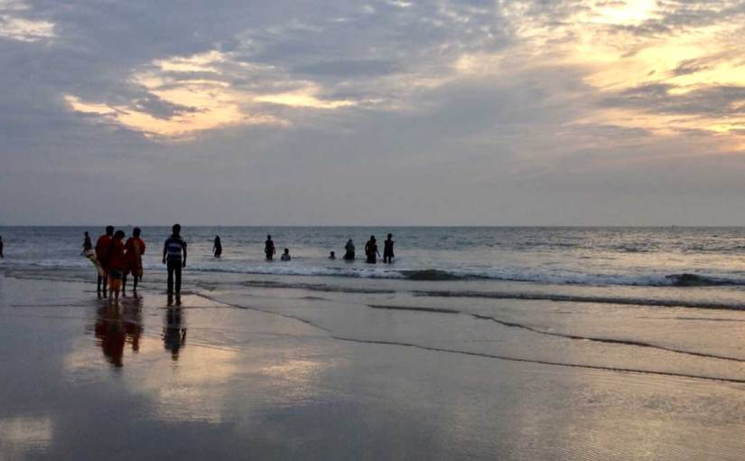 Benaulim Beach during sunset (video)