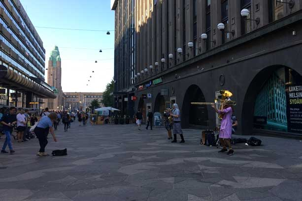 Streetmusicians in Helsinki centre Keskuskatu