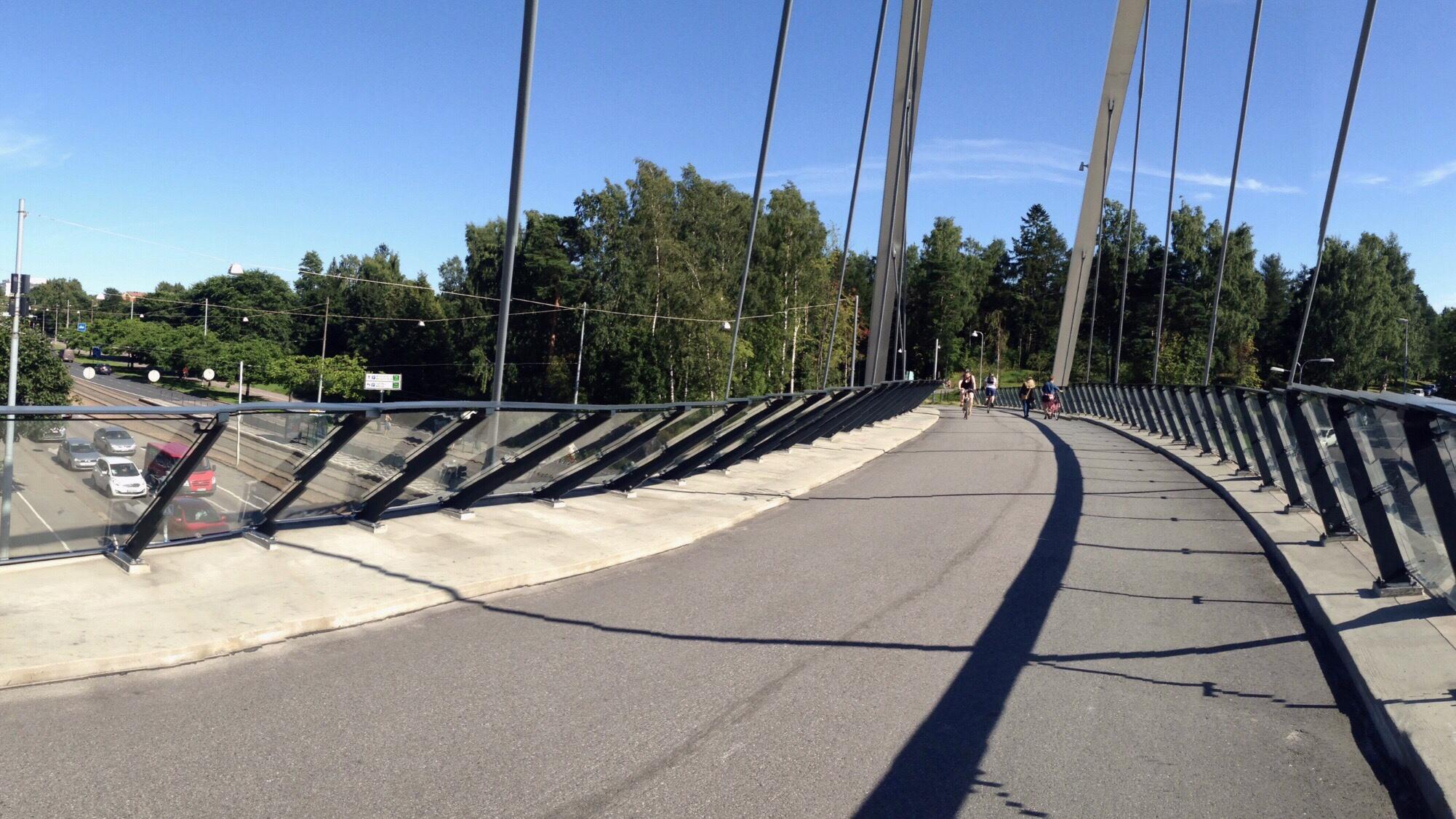 Bridge for bicycles and passengers over Helsinginkatu road