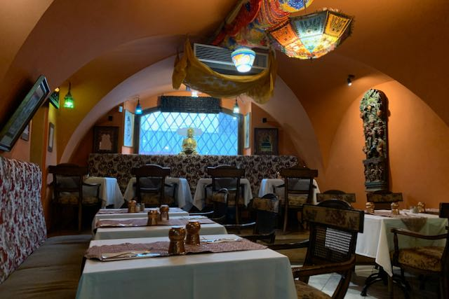 Interior design of the restaurant Indian Jewel